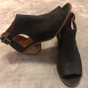 Lucky Brand Open side & toe Ankle Boots size 6